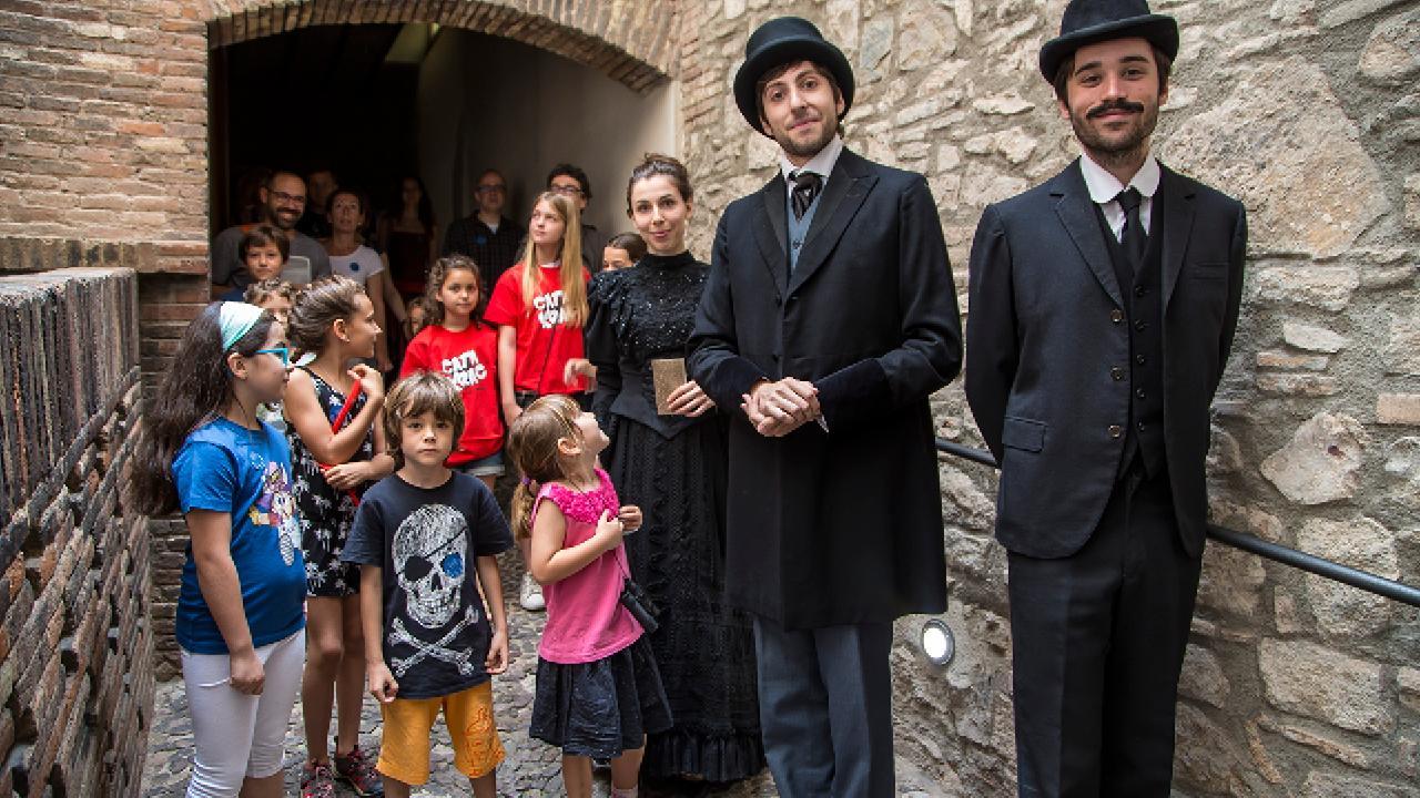 Visita teatralitzada: Un matí amb Gaudí i el matrimoni Güell-López. Barcelona. Nadal és molt més